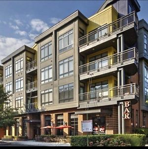 Modern Apartment In The Heart Of Uptown, Close To Spectrum Center W/ Free Parking photos Exterior