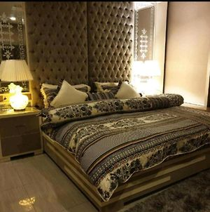 Remarkable 2-Bed Apartment In Multan photos Exterior