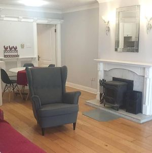 Fabulous Apartment In Eyre Square Quiet With Parking photos Exterior