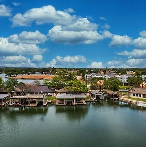 Cozy Lakeside Family Home With Boat & Jet Ski Lifts And Lake Lbj Access photos Exterior