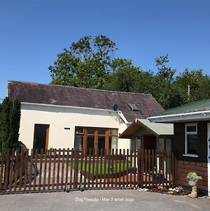Manordaf Holiday Cottage photos Exterior