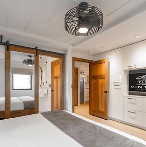 Style And Luxury One Block Off Main V2 - Walk-Up King 1 Bedroom Suite- A Beautiful Way To Stay! photos Exterior