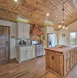 Luxury Home With Pool And Forest Vistas - 29 Mi To Okc! photos Exterior