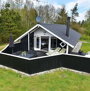 Two-Bedroom Holiday Home In Oksbol 3 photos Room