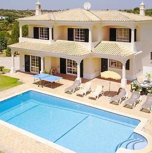 Villa In Guia Sleeps 7 With Pool Air Con And Wifi photos Exterior