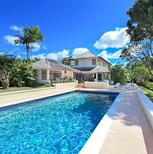 Villa In Holders Sleeps 8 With Pool And Air Con photos Exterior