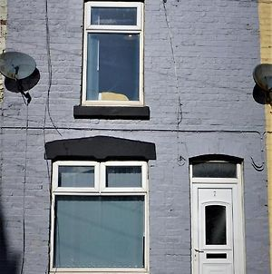 Air Host And Stay - Stockbridge House - Sleeps 7 Minutes From Anfield Stadium photos Exterior