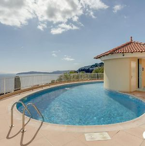 Panoramic View Swimming Pool And Parking Space photos Exterior