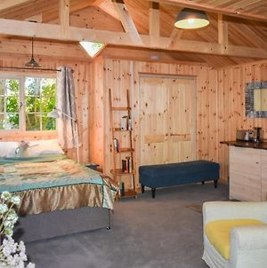 1Bd Rustic Cabin The Perfect Weekend Hideaway! photos Exterior