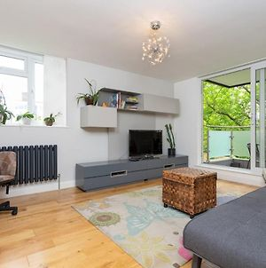 Lovely 1 Bedroom Apartment With Balcony In Putney photos Exterior