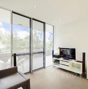 Sun-Drenched 3Br Apt In Turrella! photos Exterior