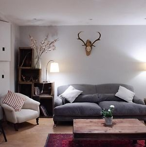 Homely 2 Bedroom Flat In North London photos Exterior