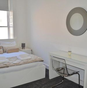 3 Bedroom Spacious Modern Flat In The City Centre photos Exterior