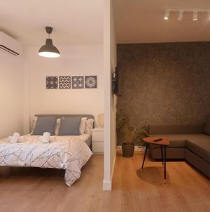 Cozy And Convenient Studio Near To Airport photos Exterior