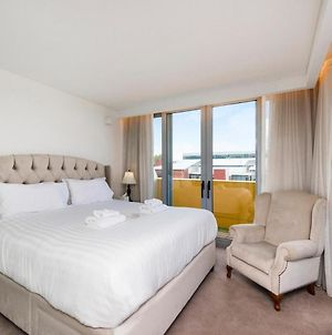 Charming Room - Take In The City From Your Balcony photos Exterior