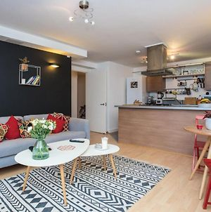 Stunning Property In The London Borough Of Hackney photos Exterior