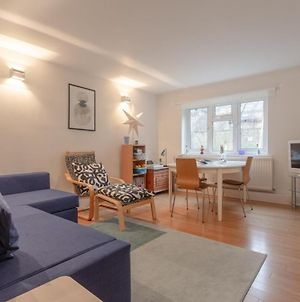 Well Located 2 Bed 1 Bath In Elephant & Castle photos Exterior