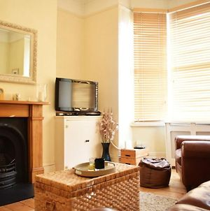 Fantastic 1 Bedroom Apartment Right By Clapham photos Exterior