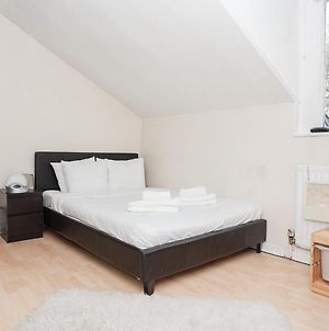 Amazing 2-Bed Just Minutes From Paddington photos Exterior