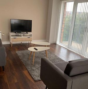 Modern 2 Bedroom Apartment In Manchester photos Exterior