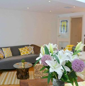 Pleasant Intimate Flat With Backyard In Battersea photos Exterior