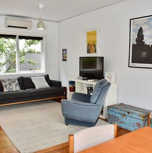 Charming 1 Bedroom Apartment In Leafy Green Hawthorn photos Exterior