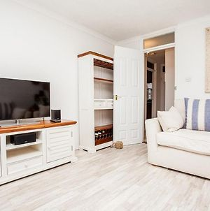 Stunning Spacious Central 1-Bed Apt With Balcony photos Exterior