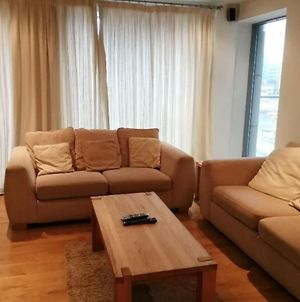 Amazing & Central 2-Bed Apartment -Ifsc Docks photos Exterior