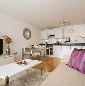 Luxury 1-Bed Apartment With Balcony In Greenwich photos Exterior