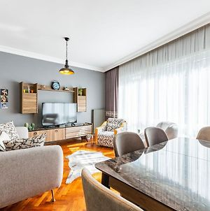 Stylish Apartment In Moda Near Popular Attractions With Balcony photos Exterior