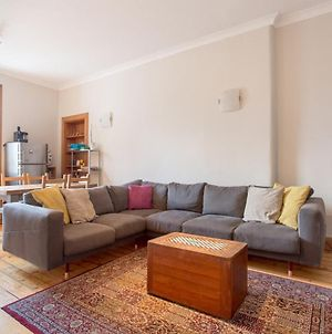 Spacious Traditional 3 Bedroom Flat In New Town photos Exterior