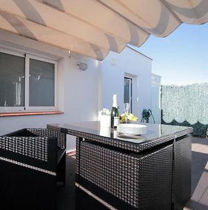 Fridays Flats, Two Apartment Duplex With Private Terrace, Sleeps 6 photos Exterior