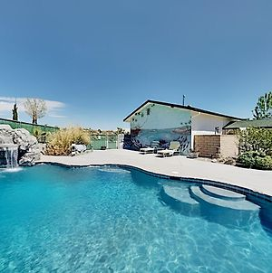 Dream Oasis - Private Heated Pool - Home Theater Home photos Exterior