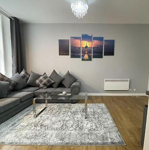 Exquisite 2Br Flat Near Central Train Station photos Exterior