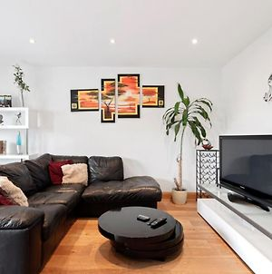Modern 2 Bedroom Penthouse In Old Street photos Exterior
