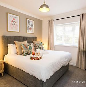 A Romantic Cosy City Centre Apartment With Free Parking photos Exterior