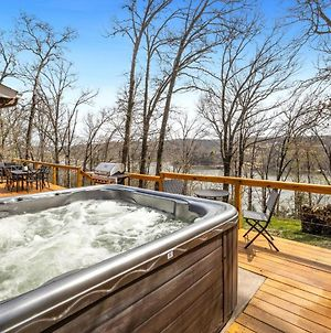 Lake Front - Paddle Point - Hot Tub! photos Exterior