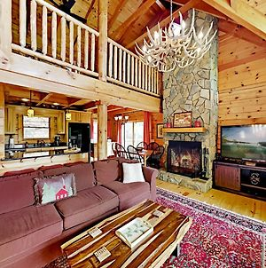Exceptional Vacation Home In Lake Lure Cabin photos Exterior