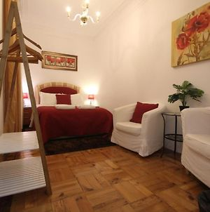 Nice And Comfortable Double Room With Private Patio, Central Lisbon photos Exterior