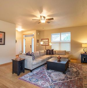 Redtail 3 Bedroom With Spacious Kitchen And Covered Back Deck - 30 Day Stay Home photos Exterior