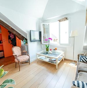 Charming Apartment In The Heart Of St Germain photos Exterior