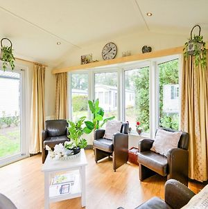 Effortless Holiday Home In Putten Near Golf Course photos Exterior