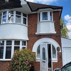 Contractor House In Lulworth Solihull 4 Bedrooms Separate Beds With Parking photos Exterior