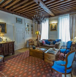 Room In Guest Room - This 10Th Century Home Sits In An Extraordinary Setting In The Center Of Orleans photos Exterior