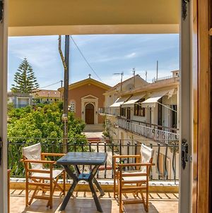 Traditional Style 3 Bedroom Flat In Lixouri 6 Guests photos Exterior