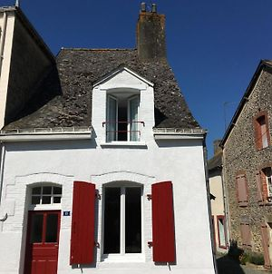 Charming Cottage In A Typical French Village photos Exterior