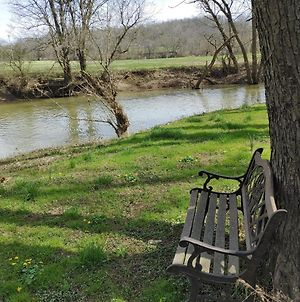 Peaceful Riverfront Stay - Nice Rv Camper 2021 - Free Kayaking Included! photos Exterior