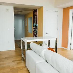 Large 2Bd, 2Ba Penthouse In Old City By Coral photos Exterior