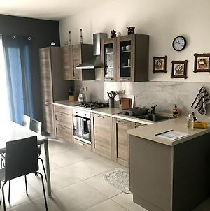 Luqa Apartment - 5 Mins From Airport photos Exterior