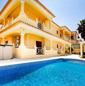 Villa Alice - Free Wifi & Air Co & Swimming Pool - By Bedzy photos Exterior